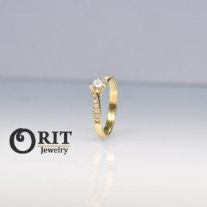 טבעת פרינסס אבן בורדו זהב קטן